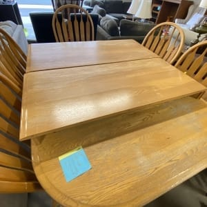 Kitchen Table and 5 chairs (rectangular, 60x42, wood, expandable)